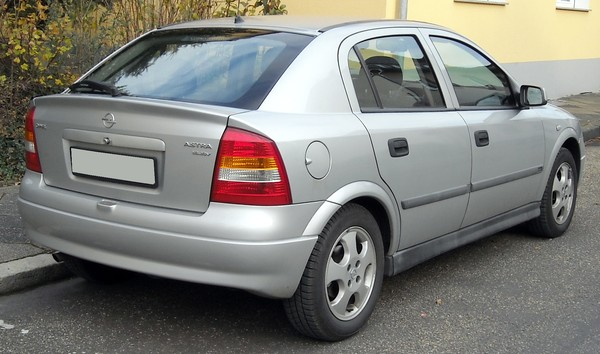 OPEL ASTRA IV (2) 1.6 CDTI 136 S/S COSMO Diesel
