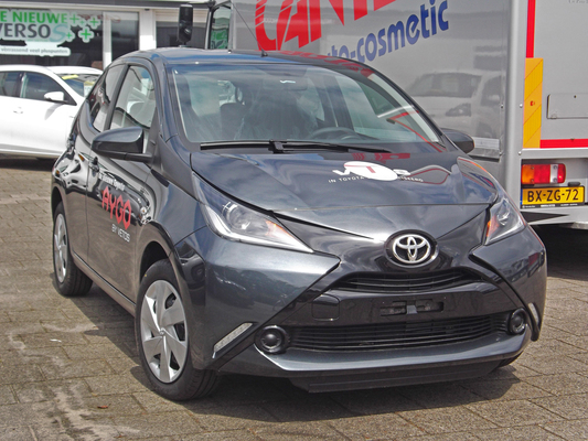 TOYOTA AYGO II 1.0 VVT-I X-WAVE STOP & START Essence
