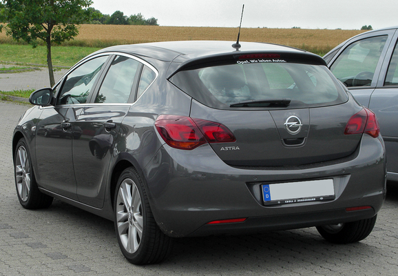 OPEL ASTRA IV (2) 1.6 CDTI 136 S/S COSMO 4P Diesel