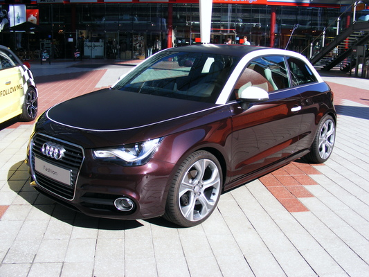 AUDI A1 1.4 TFSI 122 AMBITION LUXE S TRONIC Essence