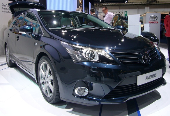 TOYOTA AVENSIS 124 D-4D BUSINESS SKYVIEW LIMITED EDITION Diesel