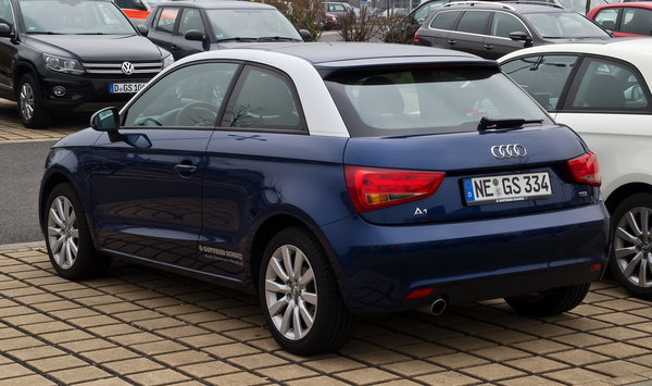 AUDI A1 1.6 TDI 105 AMBITION LUXE Diesel
