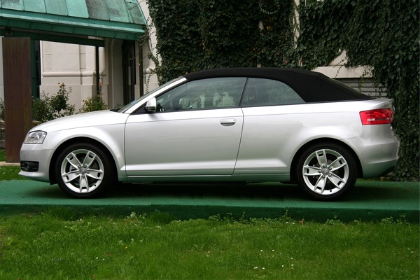 AUDI A3 III 1.6 TDI 105 ATTRACTION Diesel